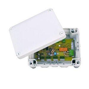 Boîtier électronique d'adaptation au signal